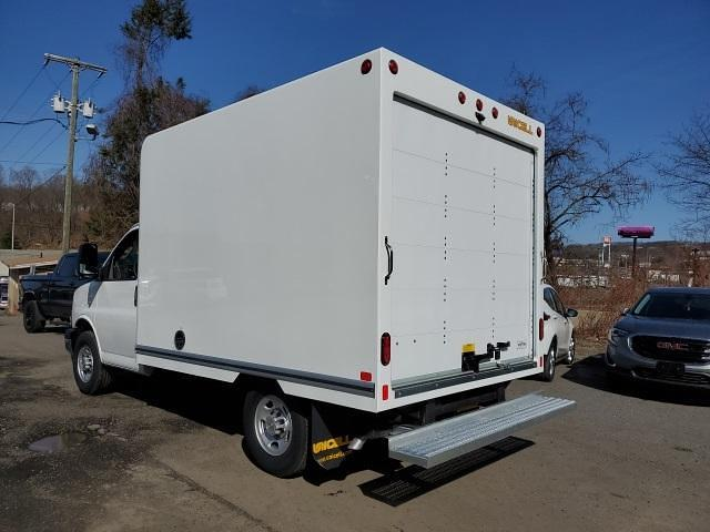 2021 Chevrolet Express 3500 4x2, Unicell Classicube Cutaway Van #TR5096T21 - photo 2