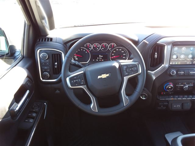 2020 Chevrolet Silverado 1500 Crew Cab 4x4, Pickup #C22280 - photo 13