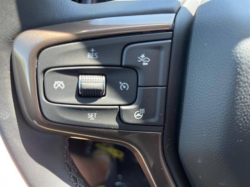 2021 Chevrolet Silverado 3500 Crew Cab 4x4, Pickup #C22805 - photo 25