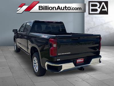 2021 Chevrolet Silverado 1500 4x4, Pickup #C22858 - photo 2