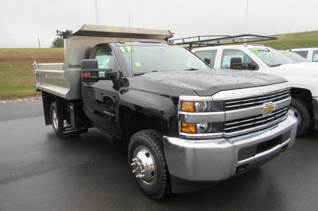 2017 Silverado 3500 Regular Cab 4x4, Crysteel Dump Body #B11626 - photo 3