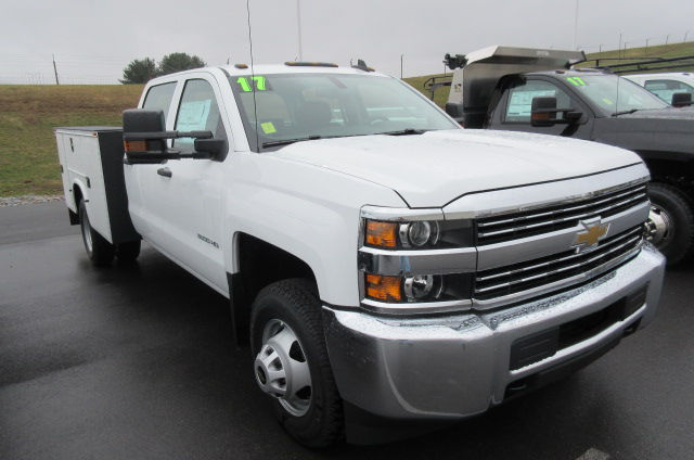 2017 Silverado 3500 Crew Cab 4x4, Knapheide Service Body #B11691 - photo 3