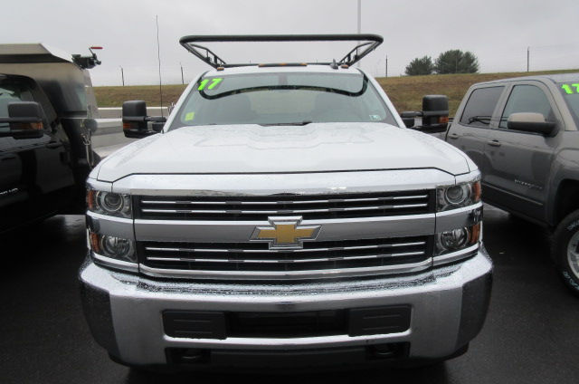 2017 Silverado 3500 Crew Cab 4x4, Knapheide Service Body #B11712 - photo 4