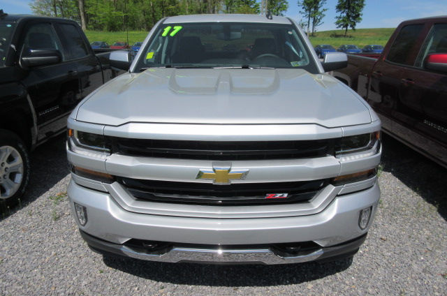 2017 Silverado 1500 Double Cab 4x4 Pickup #B11966 - photo 4