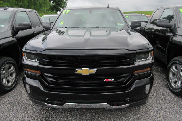 2017 Silverado 1500 Double Cab 4x4 Pickup #B12092 - photo 4