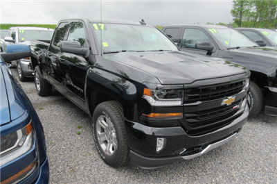 2017 Silverado 1500 Double Cab 4x4 Pickup #B12092 - photo 3