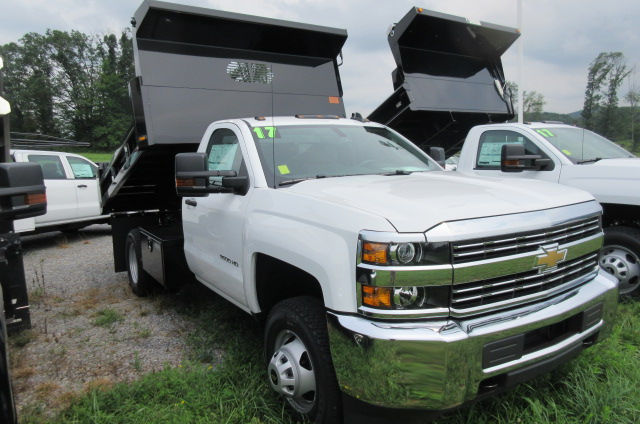 2017 Silverado 3500 Regular Cab 4x4, Rugby Dump Body #B12150 - photo 3