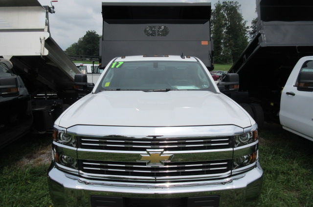 2017 Silverado 3500 Regular Cab 4x4, Rugby Dump Body #B12150 - photo 4