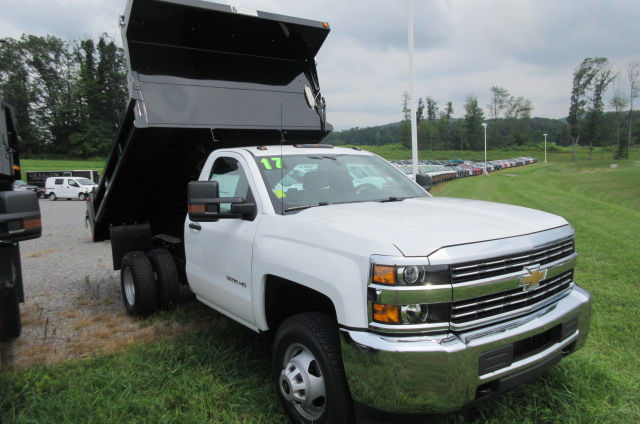 2017 Silverado 3500 Regular Cab 4x4, Galion Dump Body #B12200 - photo 3