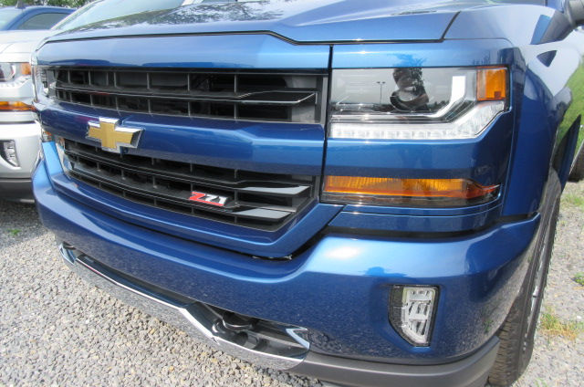 2018 Silverado 1500 Extended Cab 4x4 Pickup #B12392 - photo 4