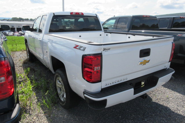 2018 Silverado 1500 Double Cab 4x4, Pickup #B12399 - photo 2