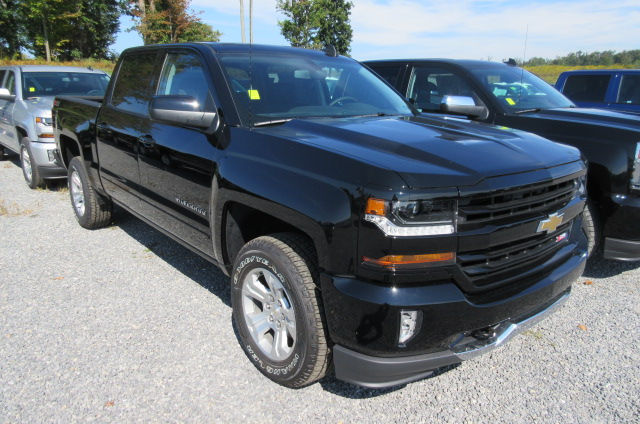 2018 Silverado 1500 Crew Cab 4x4 Pickup #B12771 - photo 3
