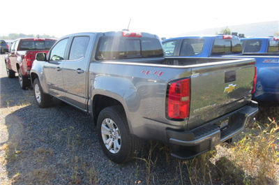 2018 Colorado Crew Cab 4x4, Pickup #B12791 - photo 2