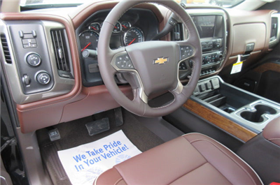 2018 Silverado 3500 Crew Cab 4x4, Pickup #B12822 - photo 21