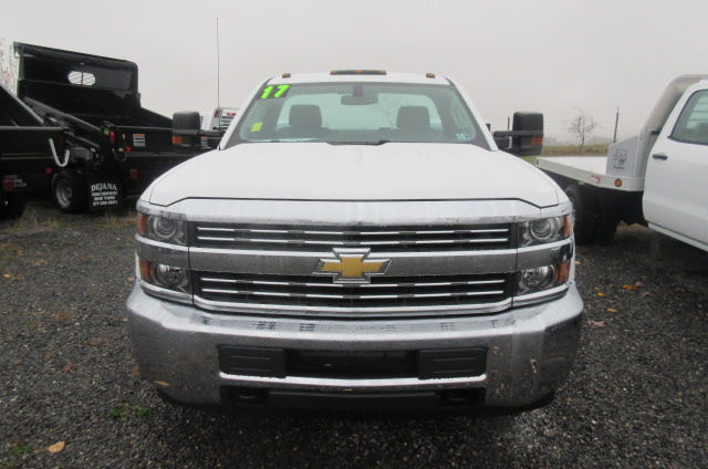 2017 Silverado 3500 Regular Cab DRW 4x4, Reading Classic II Aluminum  Service Body #B12868 - photo 4
