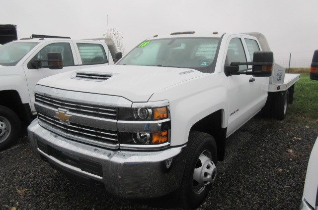 2018 Silverado 3500 Crew Cab DRW 4x4, Reading Redi-Dek Platform Body #B12908 - photo 1