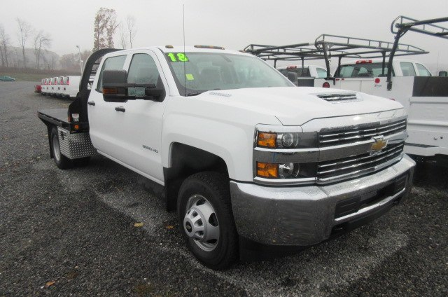 2018 Silverado 3500 Crew Cab DRW 4x4, Reading Redi-Dek Platform Body #B12908 - photo 26