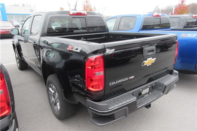 2018 Colorado Crew Cab 4x4, Pickup #B12911 - photo 2