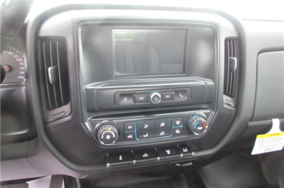 2018 Silverado 3500 Crew Cab DRW 4x4, Reading Redi-Dek Platform Body #B12933 - photo 20