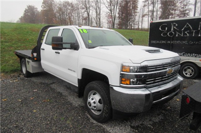 2018 Silverado 3500 Crew Cab DRW 4x4, Reading Redi-Dek Platform Body #B12933 - photo 23