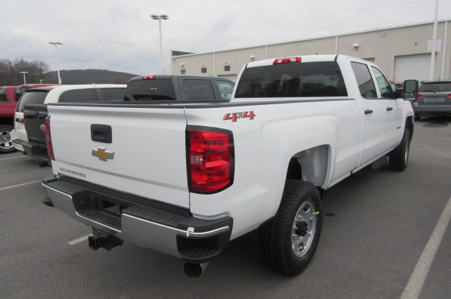 2018 Silverado 2500 Crew Cab 4x4,  Pickup #B12946 - photo 8