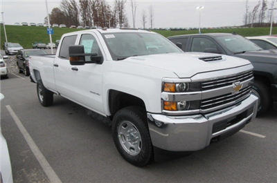 2018 Silverado 2500 Crew Cab 4x4,  Pickup #B12946 - photo 3