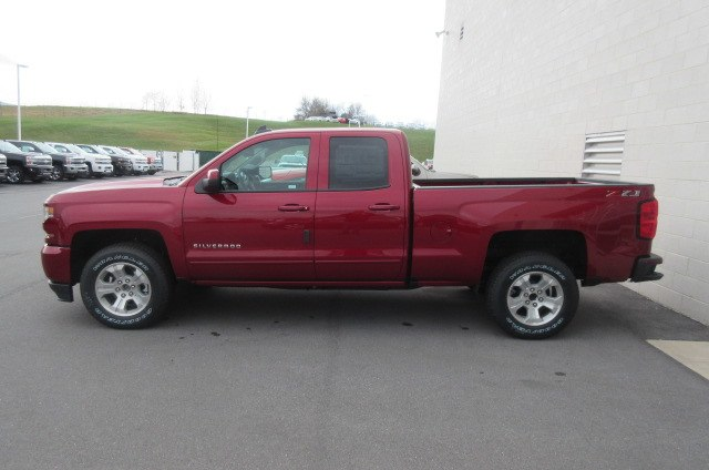 2018 Silverado 1500 Double Cab 4x4,  Pickup #B12973 - photo 2