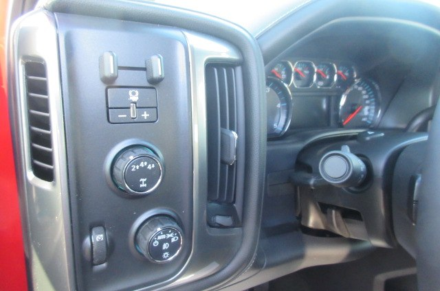 2018 Silverado 2500 Crew Cab 4x4, Pickup #B13021 - photo 23