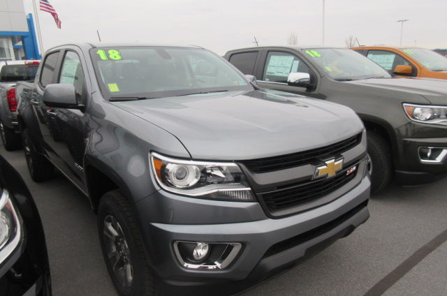 2018 Colorado Crew Cab 4x4, Pickup #B13035 - photo 3