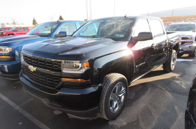 2018 Silverado 1500 Crew Cab 4x4, Pickup #B13195 - photo 1