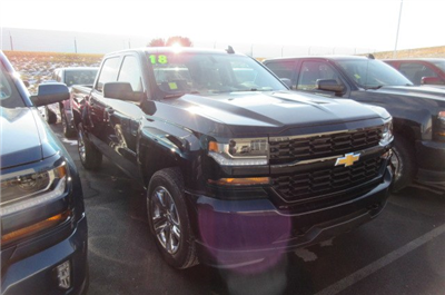 2018 Silverado 1500 Crew Cab 4x4, Pickup #B13195 - photo 3
