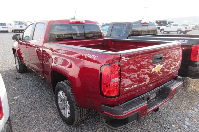 2018 Colorado Crew Cab 4x4, Pickup #B13203 - photo 2