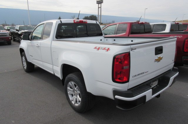 2018 Colorado Extended Cab 4x4,  Pickup #B13302 - photo 2
