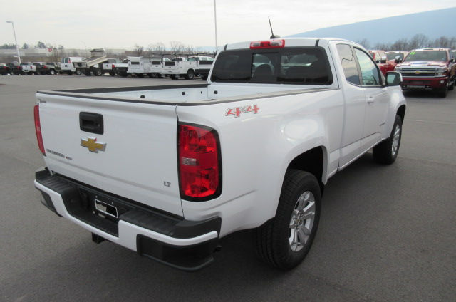 2018 Colorado Extended Cab 4x4,  Pickup #B13302 - photo 8