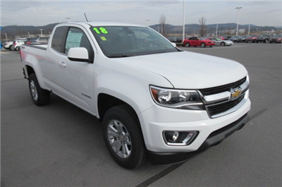 2018 Colorado Extended Cab 4x4,  Pickup #B13302 - photo 3