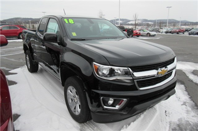 2018 Colorado Extended Cab 4x4,  Pickup #B13316 - photo 3