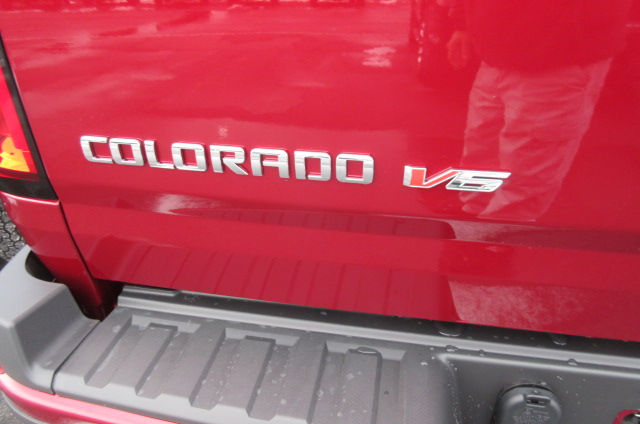 2018 Colorado Extended Cab 4x4, Pickup #B13323 - photo 6