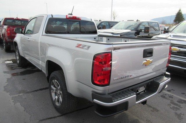2018 Colorado Extended Cab 4x4, Pickup #B13339 - photo 2