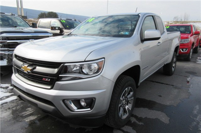 2018 Colorado Extended Cab 4x4, Pickup #B13339 - photo 1