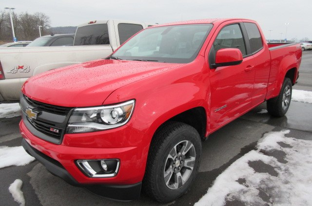 2018 Colorado Extended Cab 4x4, Pickup #B13349 - photo 1