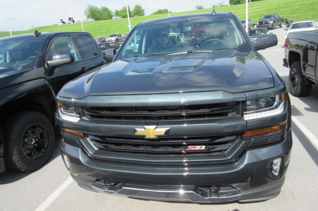 2018 Silverado 1500 Double Cab 4x4,  Pickup #B13742 - photo 4