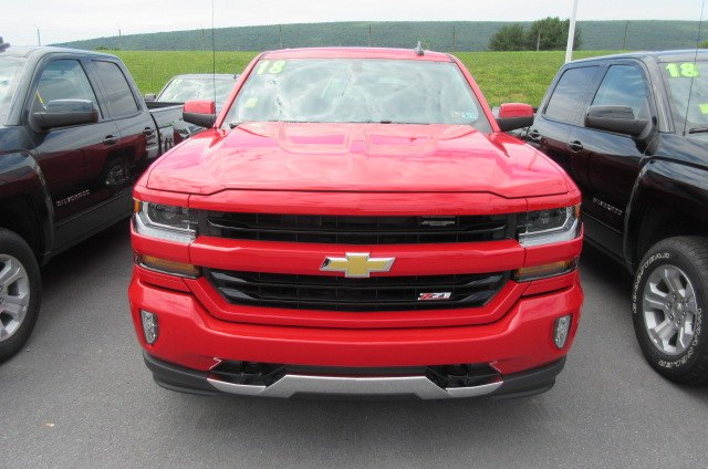 2018 Silverado 1500 Crew Cab 4x4,  Pickup #B13864 - photo 4