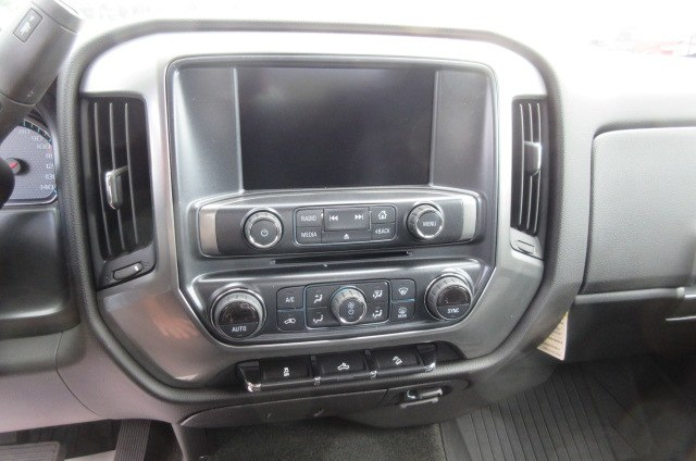 2018 Silverado 1500 Crew Cab 4x4,  Pickup #B13864 - photo 22