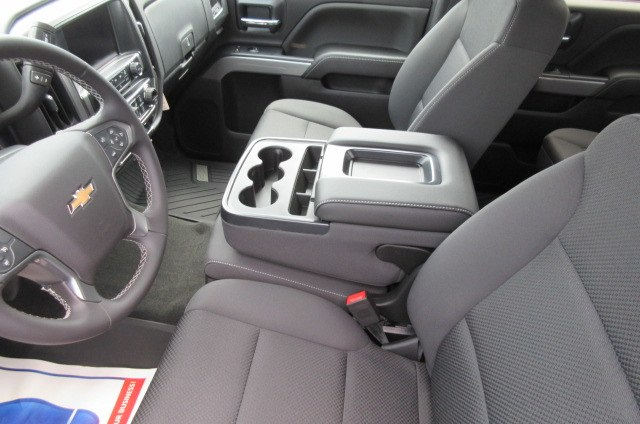 2018 Silverado 1500 Crew Cab 4x4,  Pickup #B13864 - photo 24