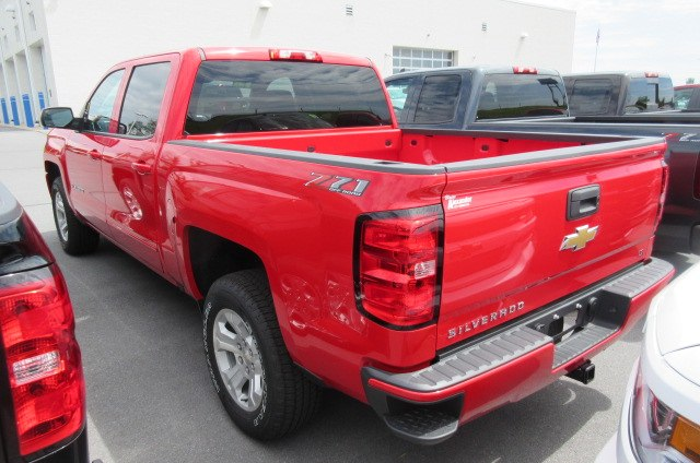 2018 Silverado 1500 Crew Cab 4x4,  Pickup #B13864 - photo 2