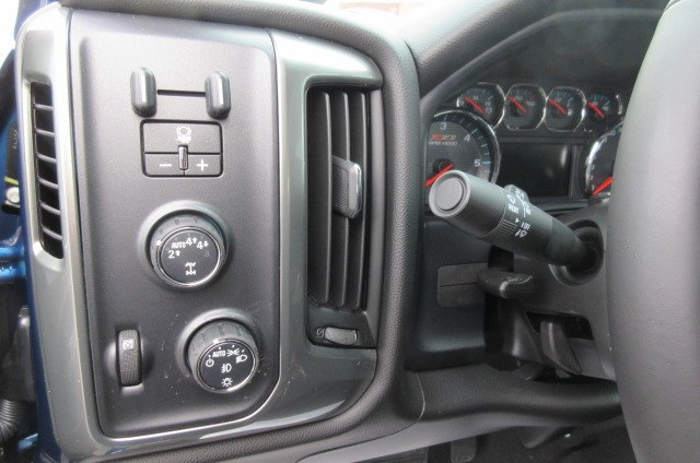 2018 Silverado 1500 Crew Cab 4x4,  Pickup #B14305 - photo 19
