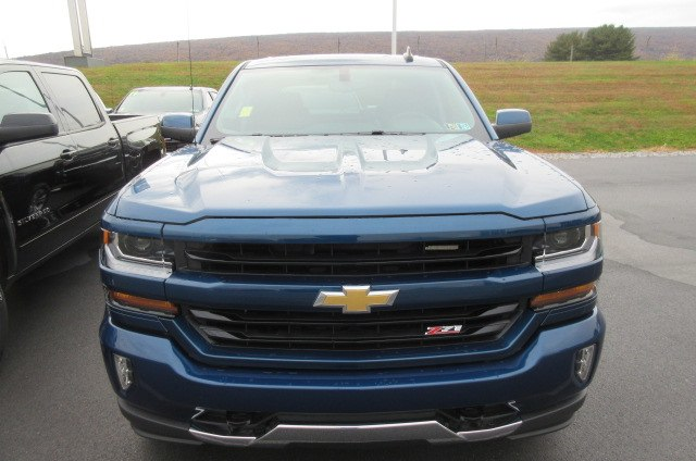 2018 Silverado 1500 Crew Cab 4x4,  Pickup #B14305 - photo 3