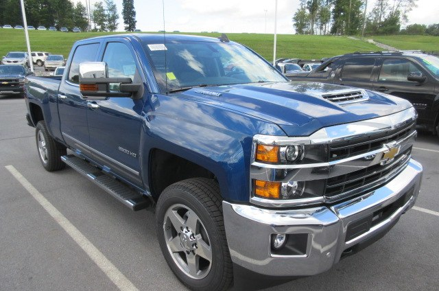 2019 Silverado 2500 Crew Cab 4x4,  Pickup #B14317 - photo 3