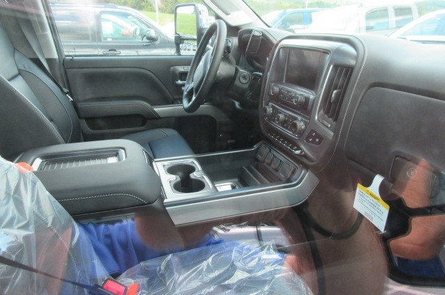2019 Silverado 2500 Crew Cab 4x4,  Pickup #B14317 - photo 14
