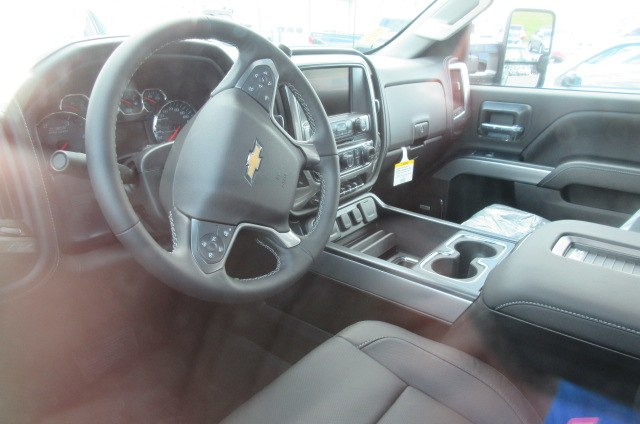 2019 Silverado 2500 Crew Cab 4x4,  Pickup #B14317 - photo 15